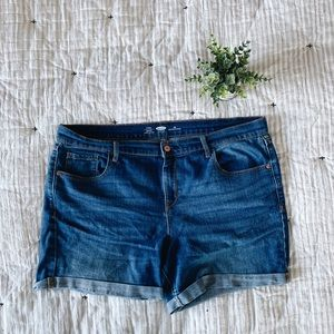Old Navy Fitted Boyfriend Jeans